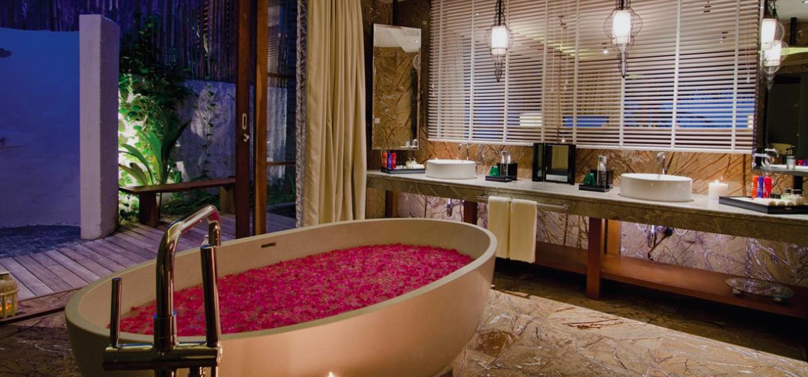 Flower-petal bath